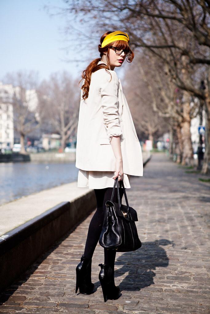Louise Ebel Pandora <!:fr>Canal Saint Martin.<!:><!:en>Canal Saint Martin.<!:>