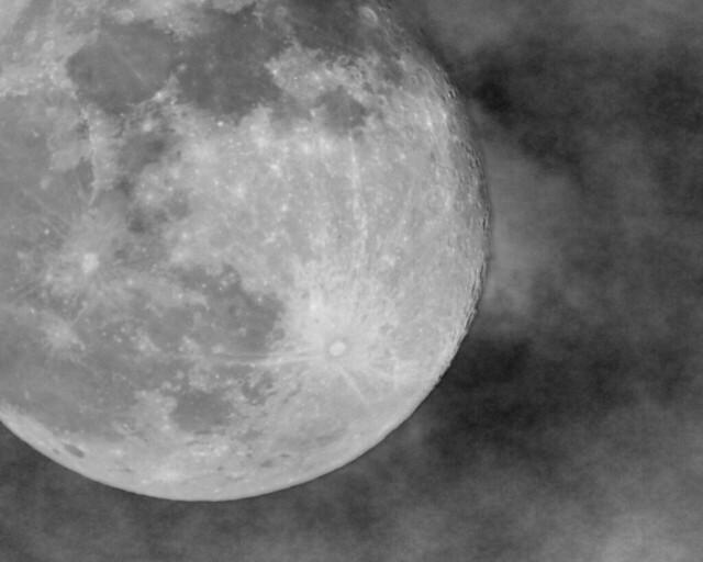 moon-grey-1280-1024