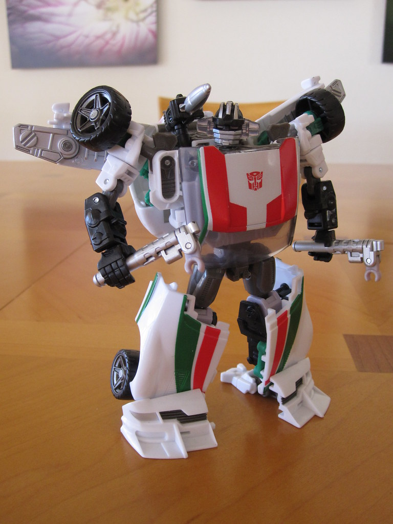 Wheeljack - Robot mode