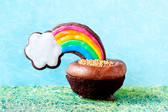 Pot of Gold Cupcake (Bakingdom) Tags: food cakes cookies cake 50mm cupcakes vegan colorful sweet chocolate homemade sprinkles recipes rainbows shamrocks frosting stpatricksday whimsical potofgold cauldrons endoftherainbow dairyfree bakingdom