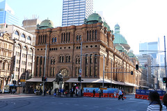 Queen Victoria Building (lukedrich_photography) Tags: australia oz commonwealth أستراليا 澳大利亚 澳大利亞 ऑस्ट्रेलिया オーストラリア 호주 австралия newsouthwales nsw canon t6i canont6i history culture sydney سيدني 悉尼 सिडनी シドニー 시드니 сидней metro city cbd centralbusinessdistrict qvb queen victoria building architecture georgemcrae romanesque revival marketplace market shop store centre tourist site commerce complex monarch druitt george street entrance royal