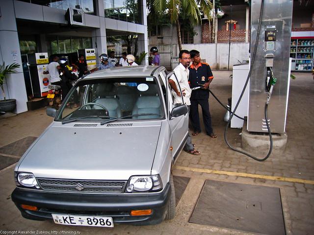 Автомобиль Sizuki Maruti 800