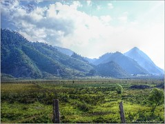Montaas Camino a Cobn (HDR) (Fernando Reyes Palencia) Tags: verde guatemala montaas coban paisajesdeguatemala bellospaisajesdeguatemala fotosdeguatemala bellaguatemala altaverapaz paisajesdelmundo guatemalalandscapes laeternaprimavera imagenesdeguatemala guatebella guatemalapaisajes postalesdeguatemala