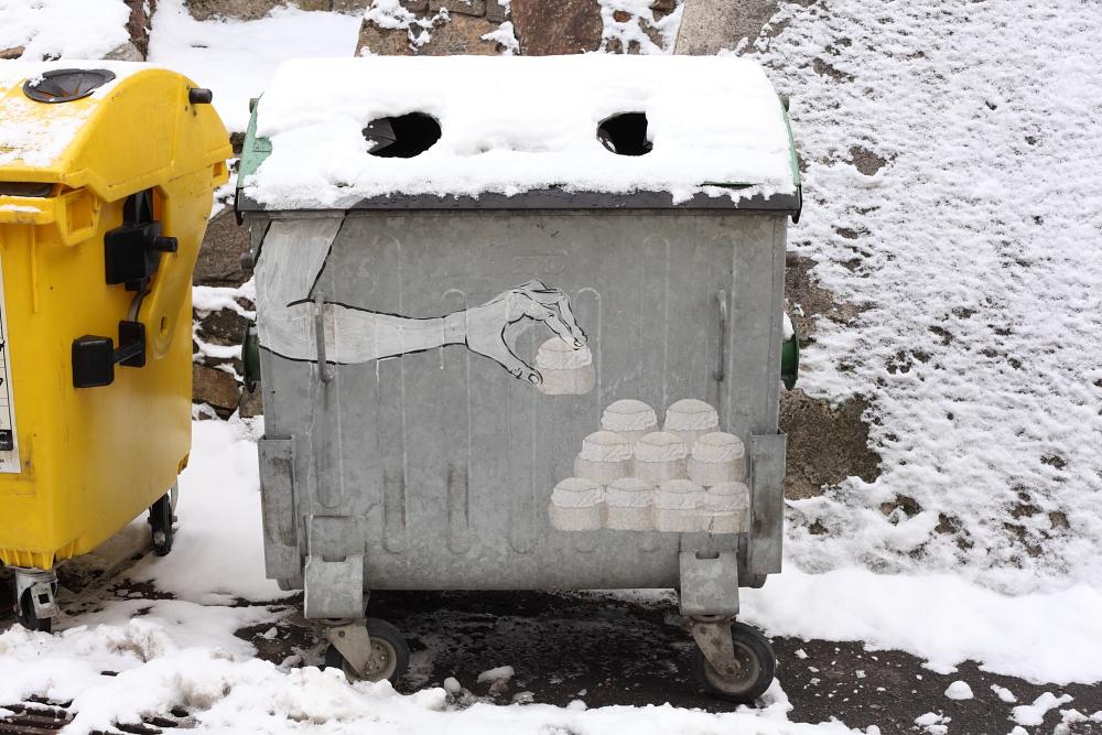 street art in Český Krumlov 4