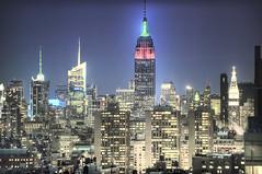 至高无上 (Tony Shi Photos) Tags: life new york city nyc urban ny newyork building tower skyline night america photo state manhattan bank midtown boa esb empire highrise conde hdr skyscaper bldg nast nuevayork bofa 美国 纽约 mef 帝国大厦 紐約 supertall 高楼大厦 نيويورك nikond700 ньюйорк 뉴욕주 tonyshi ניויאָרק