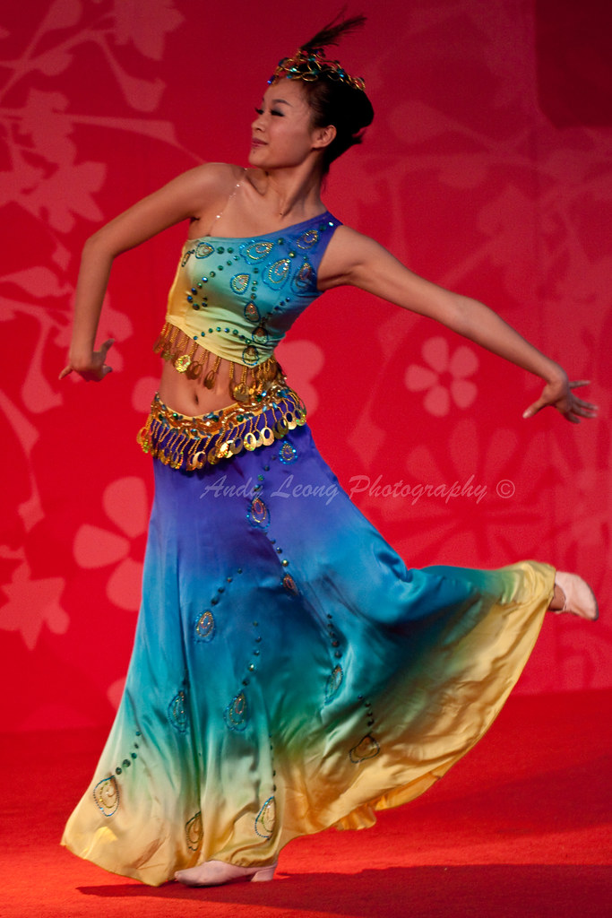 103f31deb Peacock Dance - 孔雀飞来 (Pic_Joy) Tags: costumes lady dance singapore  traditional