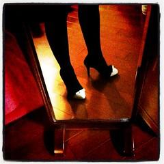 新しい靴。うーん、中身が一杯一杯って感じ。革のびろ!