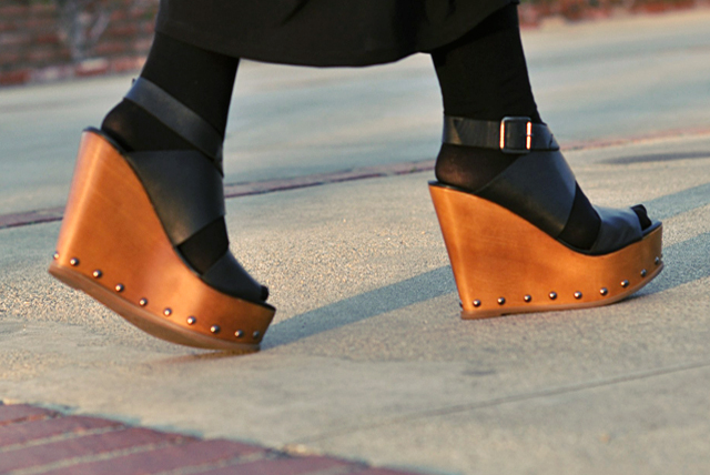 wooden wedges, steve madden shoes, sandals with tights, wedges, DSC_0083