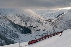 Andermatt (David Thyberg) Tags: winter snow ski alps train landscape schweiz switzerland track skiing village locomotive skis could cloudscape uri andermatt 2011
