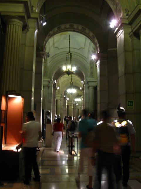 ローマの美術館の廊下のフリー写真素材
