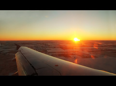 Amanecer (Anu@r.) Tags: sky sun snow sol airplane nieve wing amanecer cielo ala avion raise