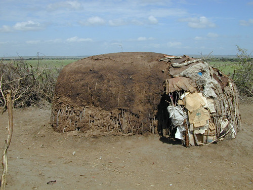 massai-house.jpg