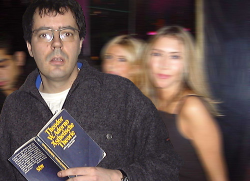 Mit Adorno im Club