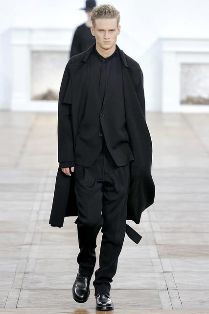 Alexander Johansson3265_FW11_Paris_Dipr Homme(VOGUEcom)