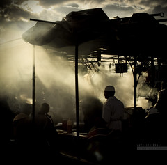(luc@s) Tags: africa light silhouette canon marocco marrakech medina piazza atmosfera luce controluce cucina fumo athmosphere raggiodiluce vapore placejemaaelfna theauthorsplaza truthandillusion marzo2011challengewinnercontest