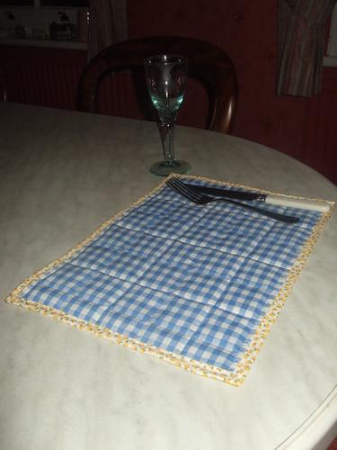 blue gingham table mat