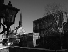 Fin d'aprés-midi sur St-Jean-Baptiste, Québec (eburriel) Tags: bw canada church america nb national québec capitale balcon église qc emmanuel stjeanbaptiste amérique burriel eburriel emmanuelburriel