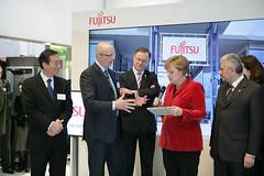 018_CeBIT_Fujitsu_Blog_Merkel_-20110301-100834 (Fujitsu_DE) Tags: cebit halle2 erstertag cebit2011 cebit11