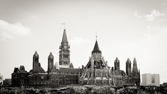 Parliament Hill [EOS 5DMK2 | EF 24-105L@60mm | 1/2500 s | f/4 | ISO400]