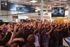 Begeisterte Gamer bei der Verlosung auf der Intel Extreme Masters Bühne