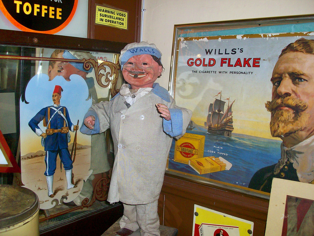 Wall's ice cream man vintage figure Will's Gold Flake
