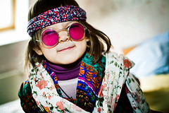 Hippies Fashioned kids (OFautography (Orange Frenzy)) Tags: pink light portrait france ex girl hippies kids canon eos glasses day f14 flash young sigma style 5d mm af2 lille 50 oldies metz dg 58 hsm