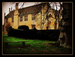 Barrington court from a restful perspective (Dazzygidds) Tags: uk england sculpture blossom somerset tudor ashtree paths tracey nationaltrust daffodils figtree lottie oaktrees robinredbreast barringtoncourt himalayanbirch rusticbarns calvingpens sculpturesframed beautifulornategates nationaltrustinsomerset