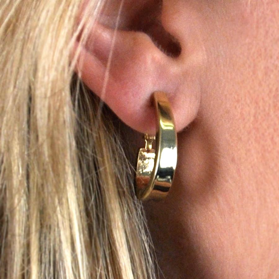 Polished Goldtone Oval hoop Earring Clip On