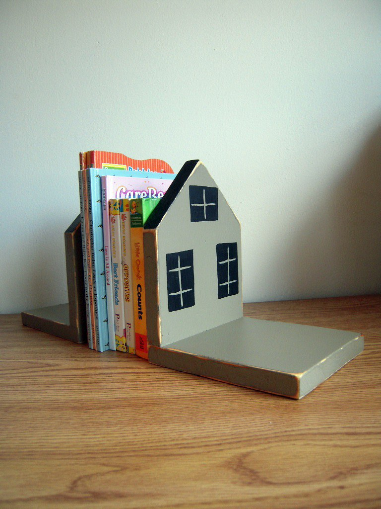 Country home book end decor
