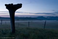RAW Iceland (Jon Pall) Tags: sunset red english fog clouds volcano is iceland raw reykjavik mire snæfellsnes rautt sólarlag snæfellsnesjökull mýri krossar