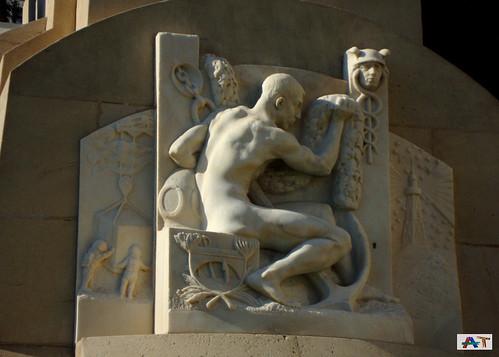 Detalle del Monumento a Canalejas