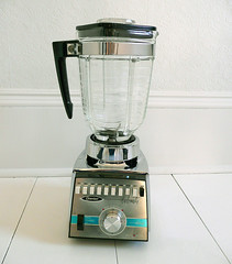 Oster Cyclomatic Blender (TheVintageCabin) Tags: kitchen silver retro chrome thrift blender 50s find appliance charityshop midcentury oster thriftstorefind eamesera cyclomatic