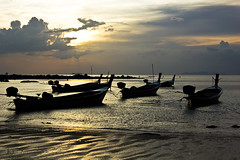 Longtail boats in Klong Dao (Chrisseee) Tags: travel sunset beach silhouette canon thailand boats asia fishermen quote kohlanta sear klongdao mygearandme kristiinahillerstrm mygearandmepremium chrisseee mygearandmebronze mygearandmesilver mygearandmegold mygearandmeplatinum mygearandmediamond