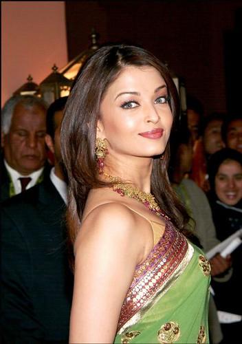 Aishwarya Rai AE 1 (52)