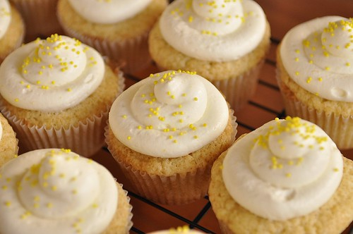 Lemon Curd Cupcakes with Lemon Cream Cheese Frosting - your homebased ...