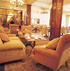 アフタヌーンティーで人気のホテル ホテル ウィンザー