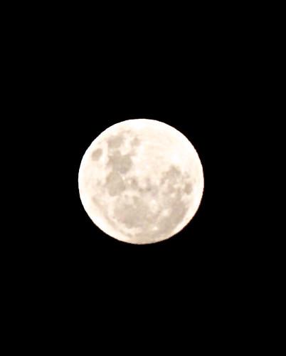 Månen - en måned er omtrent så lang som den tiden det tar månen å kretse rundt jorden