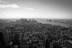 The Big Apple (Oscar von Bonsdorff) Tags: pictures new york newyorkcity usa newyork canon studio unitedstates photos pics manhattan famous 34thstreet kitlens tourist pro northamerica empirestatebuilding info fifthavenue information photographing xsi canon1855 thebigapple  canon1855mm 1855lens  450d canon1855is blackandwhitenewyork newyorkview october2010  canonefs1855mmf3556is newyorkscene  mygearandme oscarvonbonsdorff gettyimagesfinlandq2   nyskylineinblackandwhite newyorkskylinedesktop newyorkskylinebackground