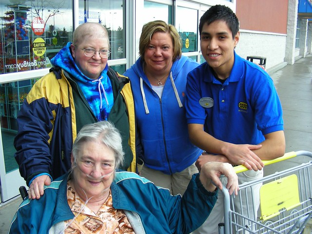 Sylvia with Mel, Leslie, & our man Giovanni at Best Buy