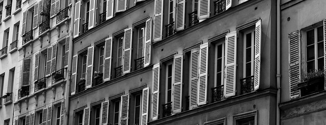 Windows, Rue du Faubourg-Saint-Denis, Paris, France