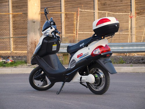 white toronto ontario canada bike electric w scooter gio 350 500 moped electronic 800 500w ebike 800w escooter 350w