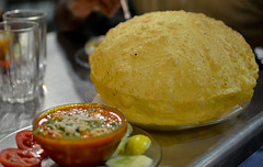Chola Bhatura - at Darshan (Love the puffed up bhatura here) (Manish Parekh Photography) Tags: food india pune darshan chola bhatura batura choley