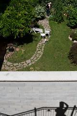 (Donato Buccella / sibemolle) Tags: italy milano spn canonef2470f28l corsobuenosaires sibemolle instruction35 teatroelfopuccinicolorsstreetmilan lhoscattatadaunterrazzinodelteatroelfopuccinimentreaspettavonervosamenteirisultatidelballottaggio streetphotographynowprojects