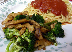 Soy Curl/Broccoli/Asparagus Sauté with Thin Spaghetti (sciencensorcery) Tags: vegan italian broccoli pasta asparagus vegetarian thinspaghetti soycurls
