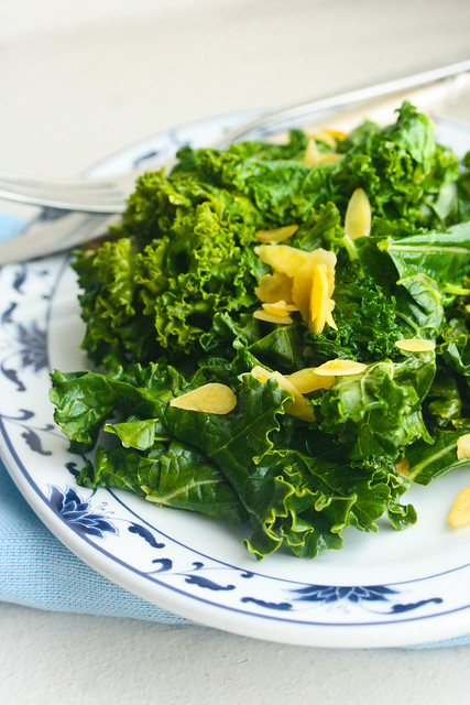 kale and almonds (1 of 1)