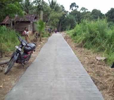 5560563864 68cbf76c6f Menggali Swadaya, Tingkatkan Kualitas Infrastruktur