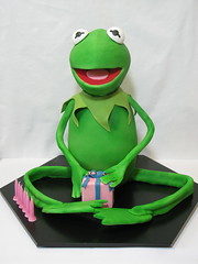Kermit the Frog cake (Creative Cakes by Julie) Tags: birthdaycake kermit kermitthefrog