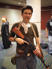 Uncharted (Fernando Lenis) Tags: orlando photos cosplay fernando fl megacon drake cosplayers nathen 2011 uncharted lenis