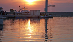 Porto al tramonto - Harbour at sunset (Ola55) Tags: pink sunset italy reflections boats tramonto mr harbour rosa barche porto yachts riflessi puglia italians onde the4elements rodigarganico mywinners abigfave abigfav aplusphoto worldtrekker yourcountry ola55