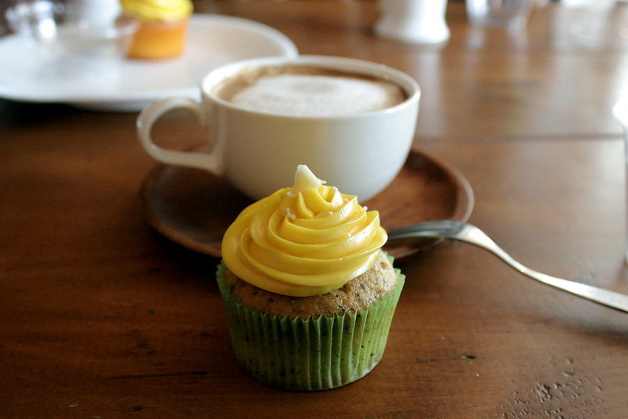 Coffee and a cup cake